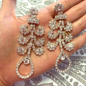 Jewelry - ⬇️ Extra long rhinestone earrings